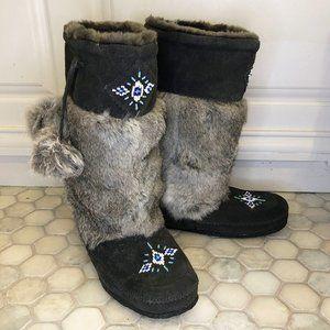 Minnetonka Rabbit Fur Pom Pom Boots